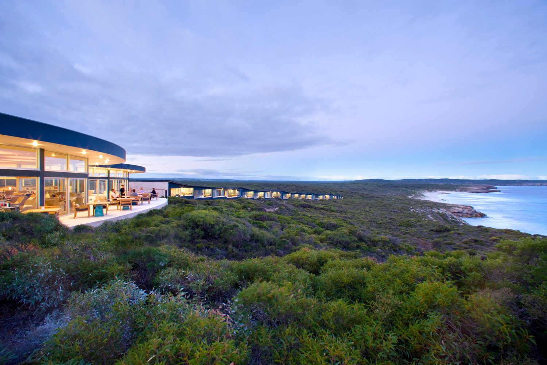 Die Southern Ocean Lodge liegt inmitten der Dünen und direkt an der Küste von Kangaroo Island
