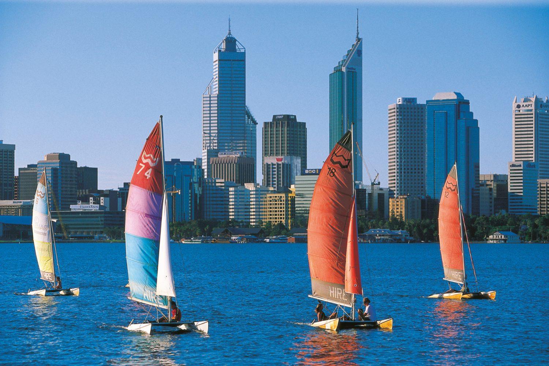 Australien Urlaub: Segelboote auf dem Swan River in Perth
