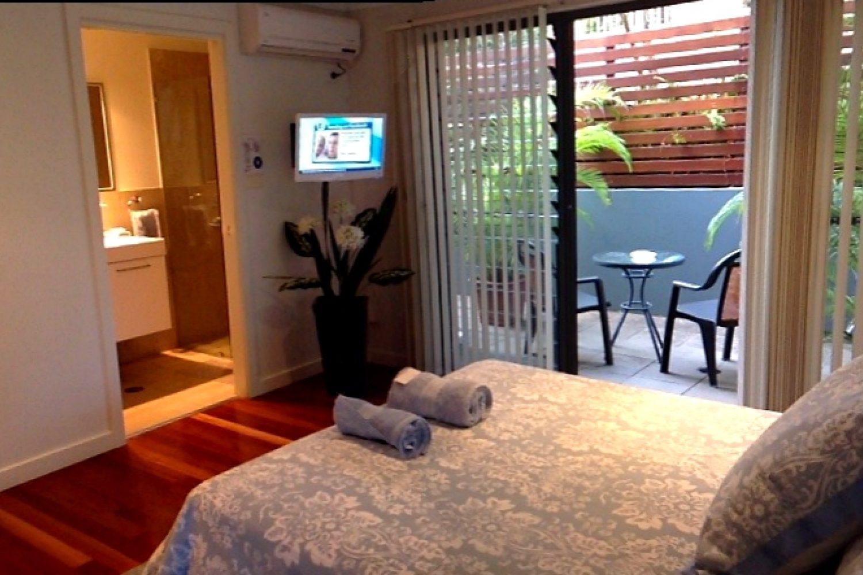 Anchors Bed & Breakfast: Lodge Room mit Bad und Balkon