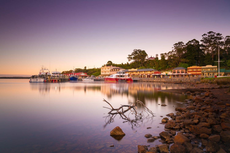 Strahan an der Westküste Tasmaniens