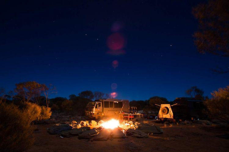 Rotes Zentrum: Schlafen unter den Sternen bei einer Safaritour