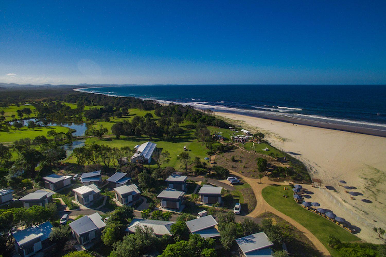 Byron Bay: Das Elements Of Byron liegt am schönen Bolongil Beach