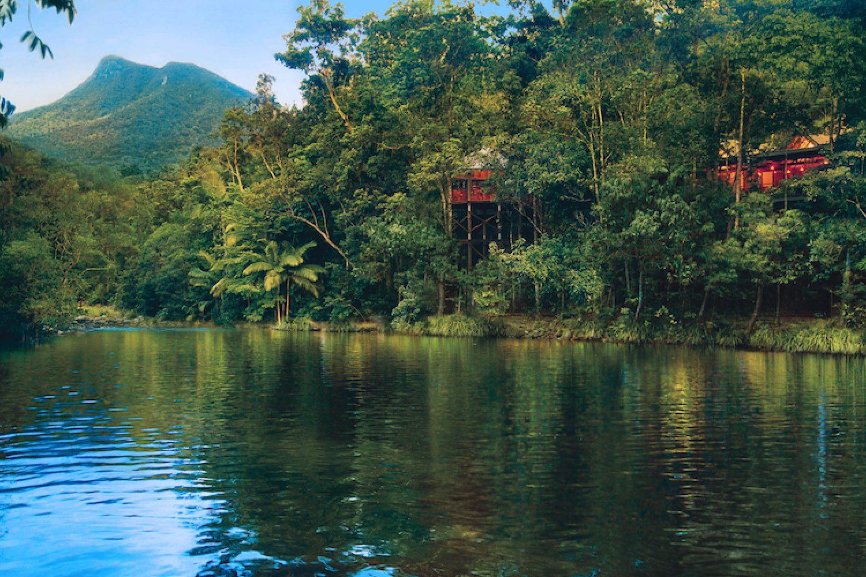 Silky Oaks Lodge biedt uitzicht op het regenwoud en de rivier Mossman
