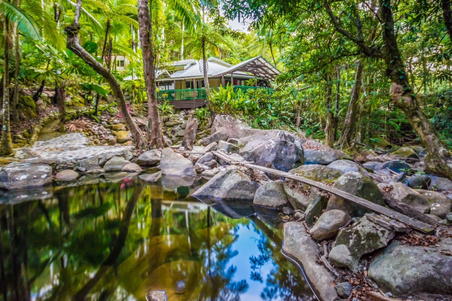Uw eigen lagune bij Daintree Secrets Rainforest Retreat