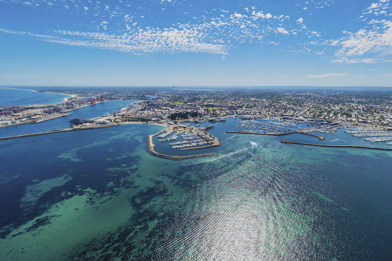 Die kleine Küstenstadt Fremantle bei Perth - bekannt für Ihre schicken Bars und Restaurants.