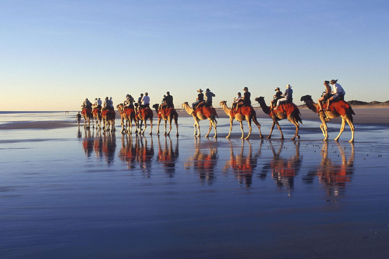 Broome: Kamelreiten am Cable Beach