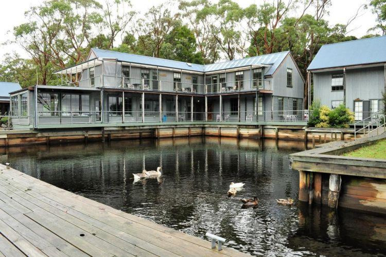 Unterkünfte in Australien - Risby Cove Strahan Tasmanien kleiner See