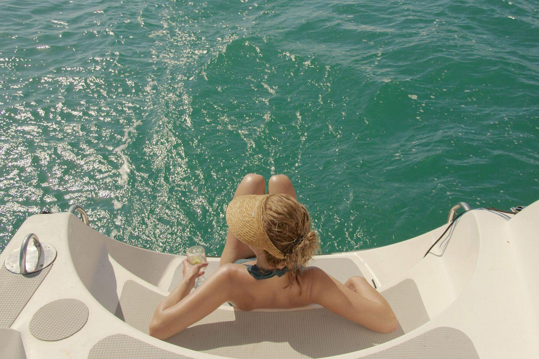 Tijd voor ontspanning tijdens een tweedaagse zeiltocht door de Whitsundays