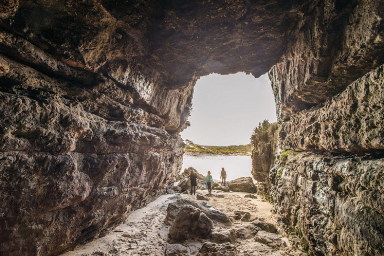 Solche tollen Ausblicke lassen sich im Booderee Nationalpark am Caves Beach in Jervis Bay finden.