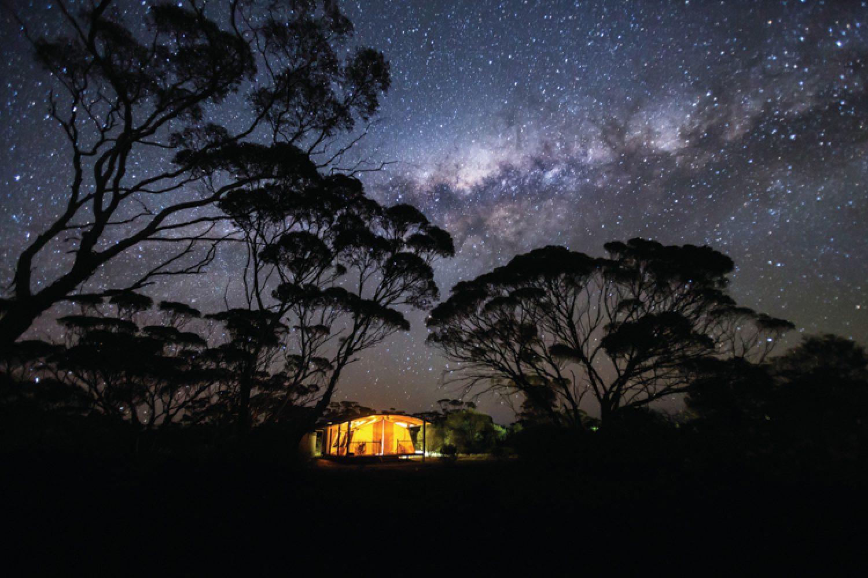 Das luxuriöse Camp liegt in den Gawler Ranges - fernab der Zivilisation erleben Sie hier einen einmaligen Blick auf die Milchstraße.