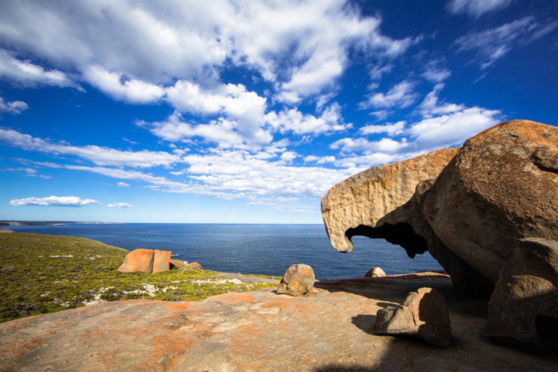 Die Remarkable Rocks sind gigantische, bizarre vom Wetter geformte Granitfelsen.