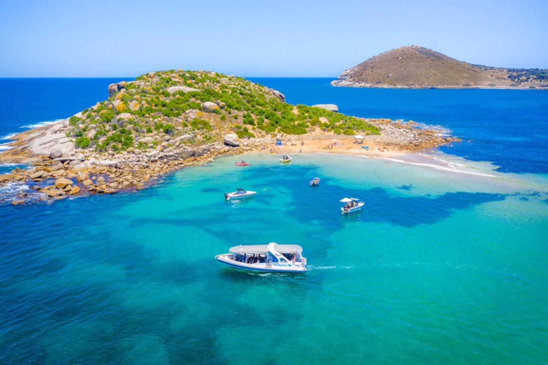 Die Peninsula ist auch ideal für Wassersport oder einen schönen Tag am Strand - gehen Sie Angeln, Surfen, Segeln, Tauchen oder Schnorcheln.