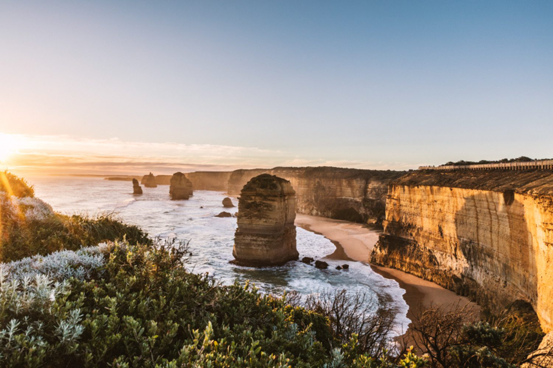 Die 12 Apostels - majestätisch ragen die Felstürme vor der Küste Victorias aus der stürmischen Brandung.