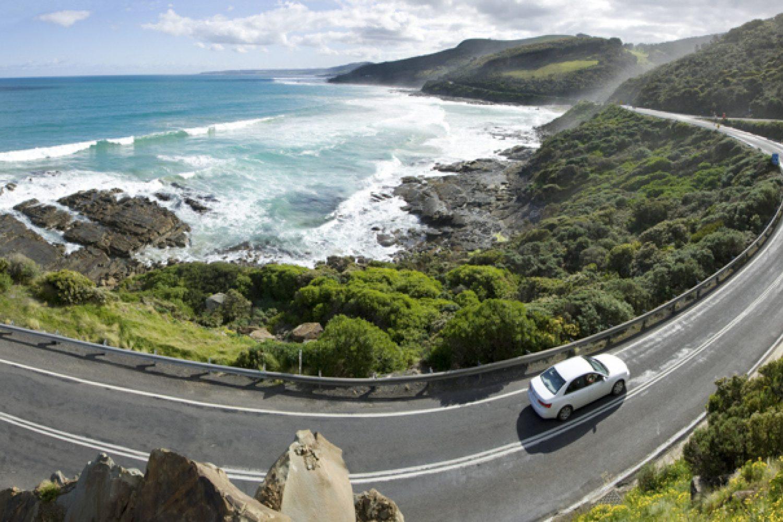 Entdecken Sie die Küste entlang der Great Ocean Road.
