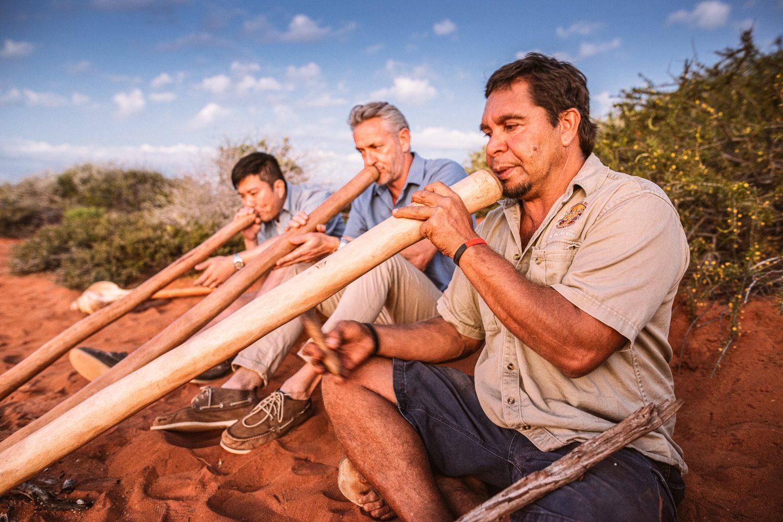 Oder entdecken Sie den Park durch die Augen der Einheimischen. Bei der geführten 4WD-Tour bekommen Sie einen Einblick in die Kultur und Natur aus den Sicht der Aborigines. Sprechen Sie uns gerne an, um die Tour in Ihren Reiseverlauf zu integrieren.