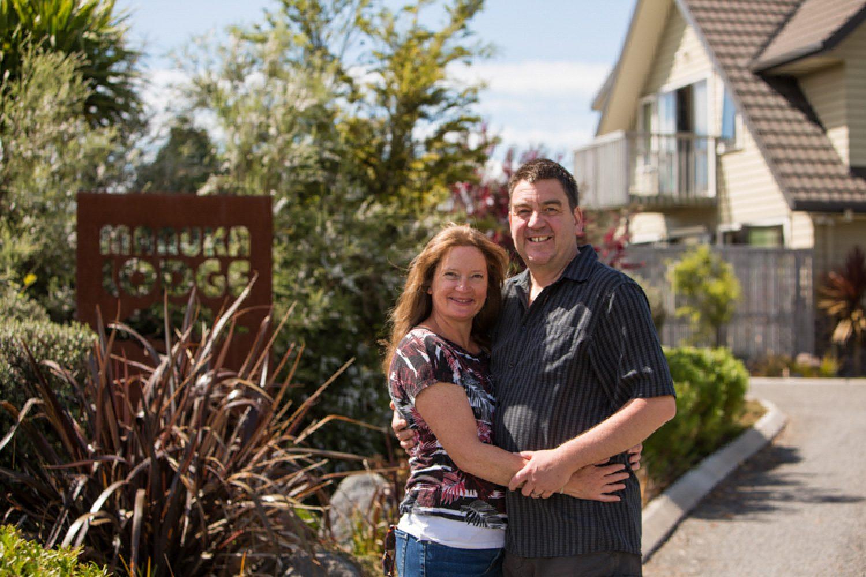 Ihre Gastgeber Susi und Alan verwirklichten mit dem kleinen Bed & Breakfast einen Lebenstraum und freuen sich Sie in Ihrem Zuhause begrüßen zu dürfen.