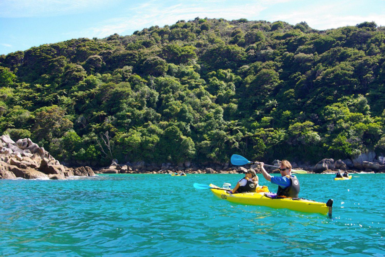 Auch mit dem Kajak lässt sich der Abel Tasman Nationalpark hervorragend erkunden. Bei Bedarf integrieren wir dies gerne in Ihren Reiseverlauf.