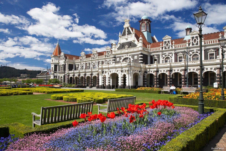 Die Railway Station in Dunedin. Seine bestens erhaltene viktorianische und edwardian Architektur macht die Stadt zu einer Perle der südlichen Hemisphäre.