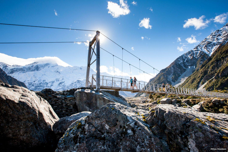 Für alle die etwas aktiver unterwegs sein möchten und trittsicher sind, bietet der Mount Cook Nationalpark zahlreiche Wanderrouten.