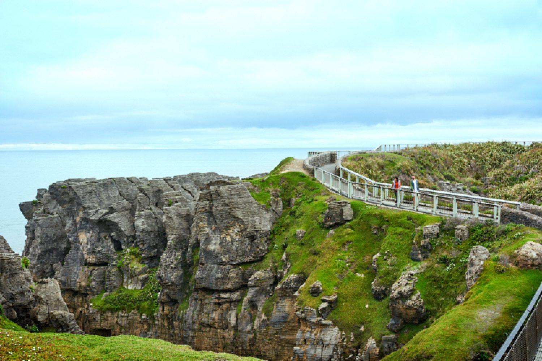 Die Pancake Rocks bei Punakaiki sind ideal für einen Spaziergang am Sonnenauf- oder Untergang.