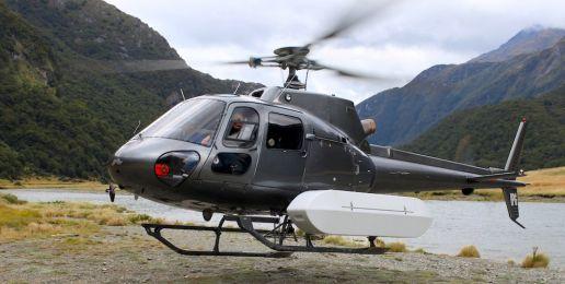 Man op reis in Nieuw-Zeeland: helikopter