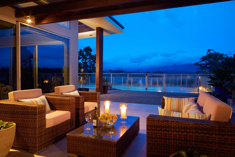 Almyra Waterfront Apartment: Terrasse