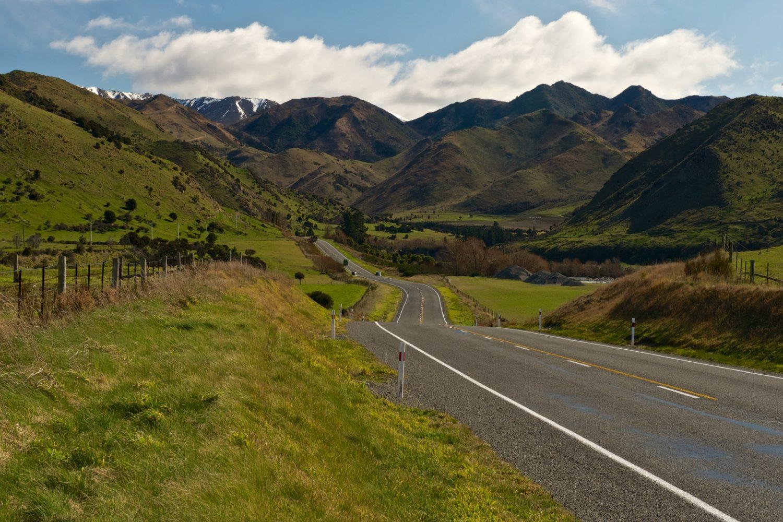 Eine Rundreise mit dem Auto durch die schönen Landschaften Neuseelands
