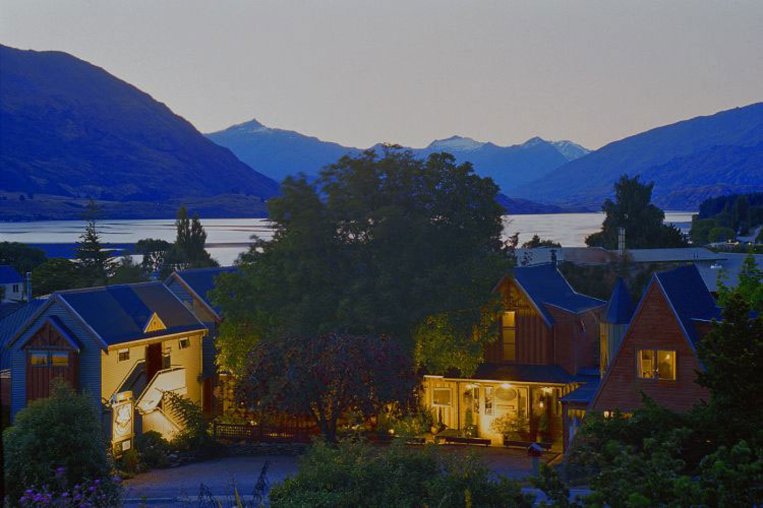 Te Wanaka Lodge am Abend