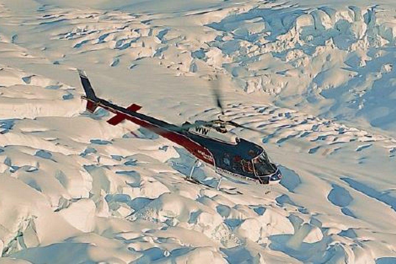 Helikopterflug über die Südalpen