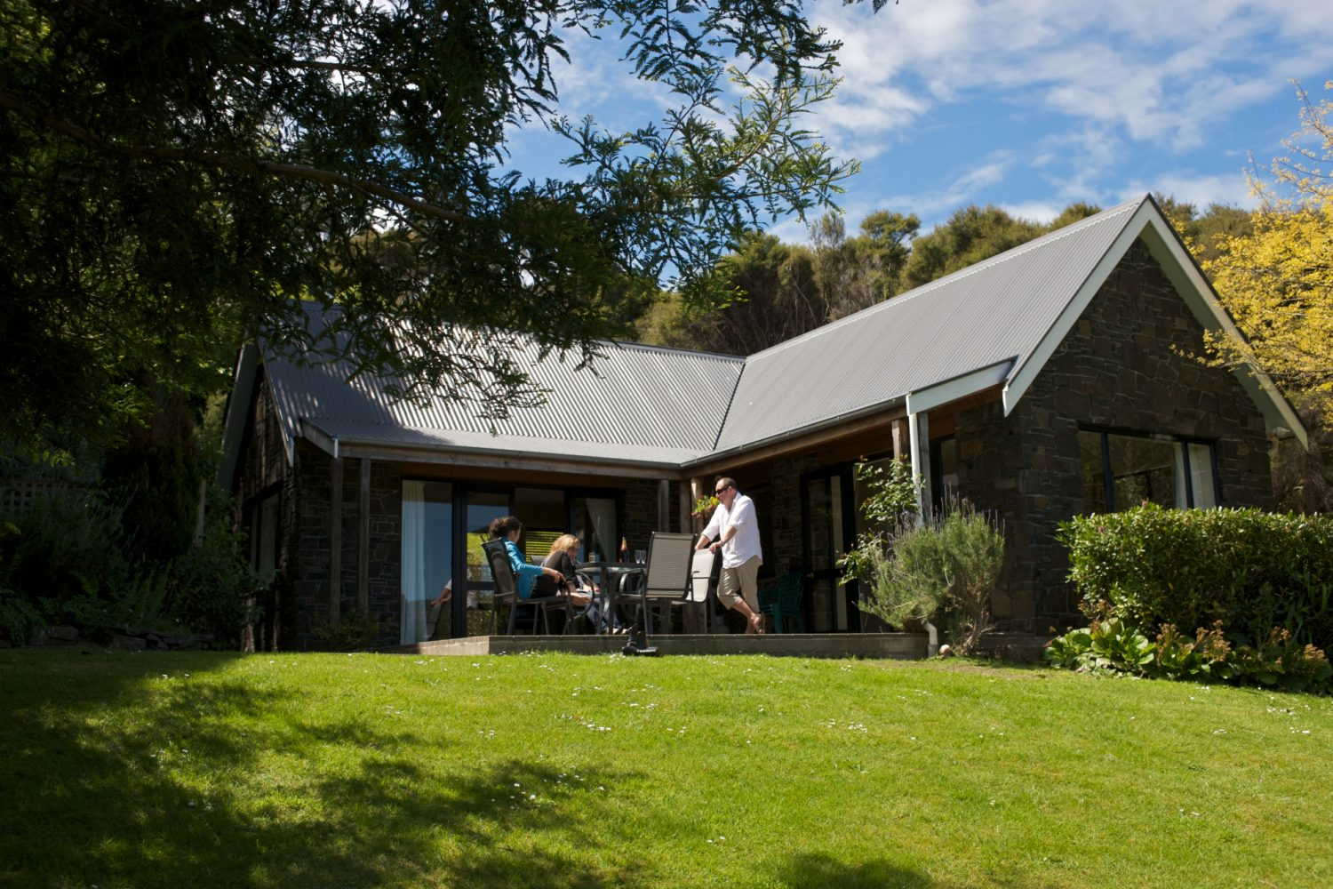 Akaroa Cottages: Two Bedroom Seaview Cottage