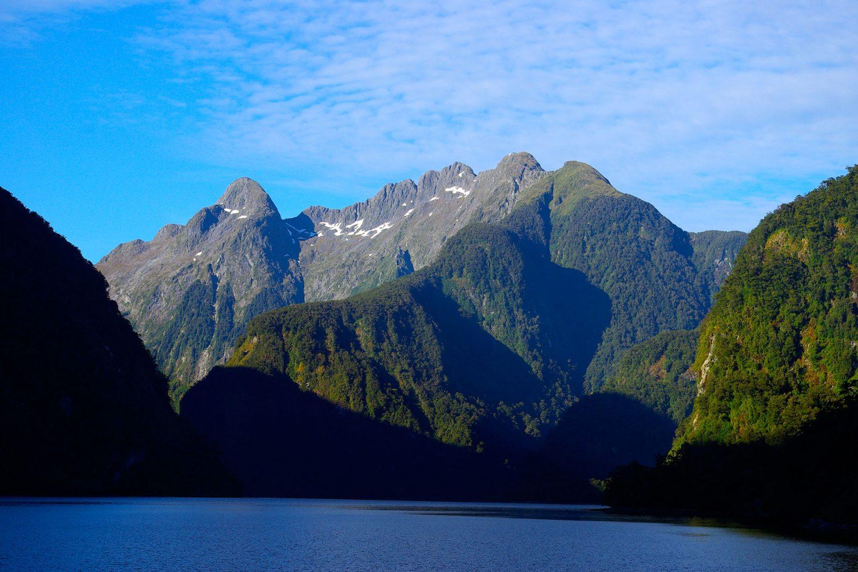 Die Natur im Doubtful Sound beeindruckt mit Stille und Ruhe