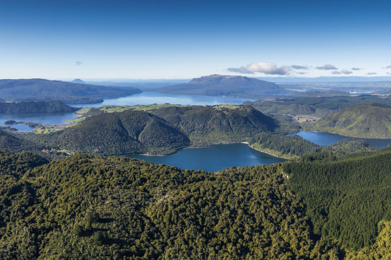 Neuseeland Nordinsel - ein Blick aus der Luft über die Rotorua Lakes