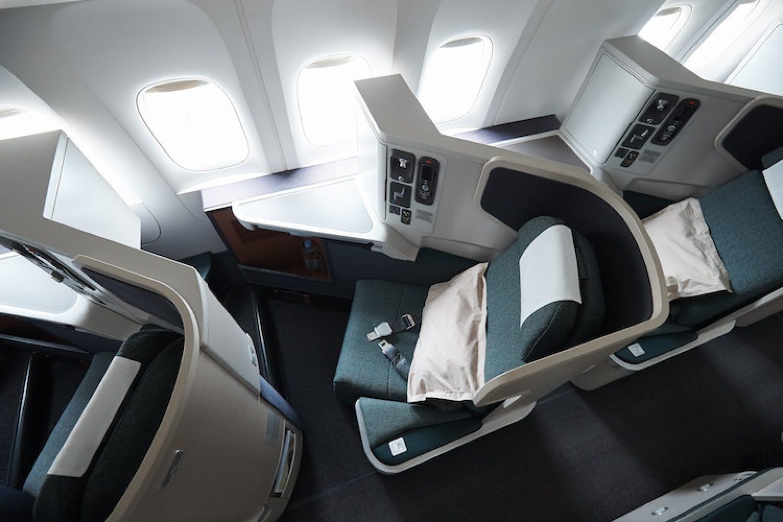 De stoelen in Business Class van Cathay Pacific